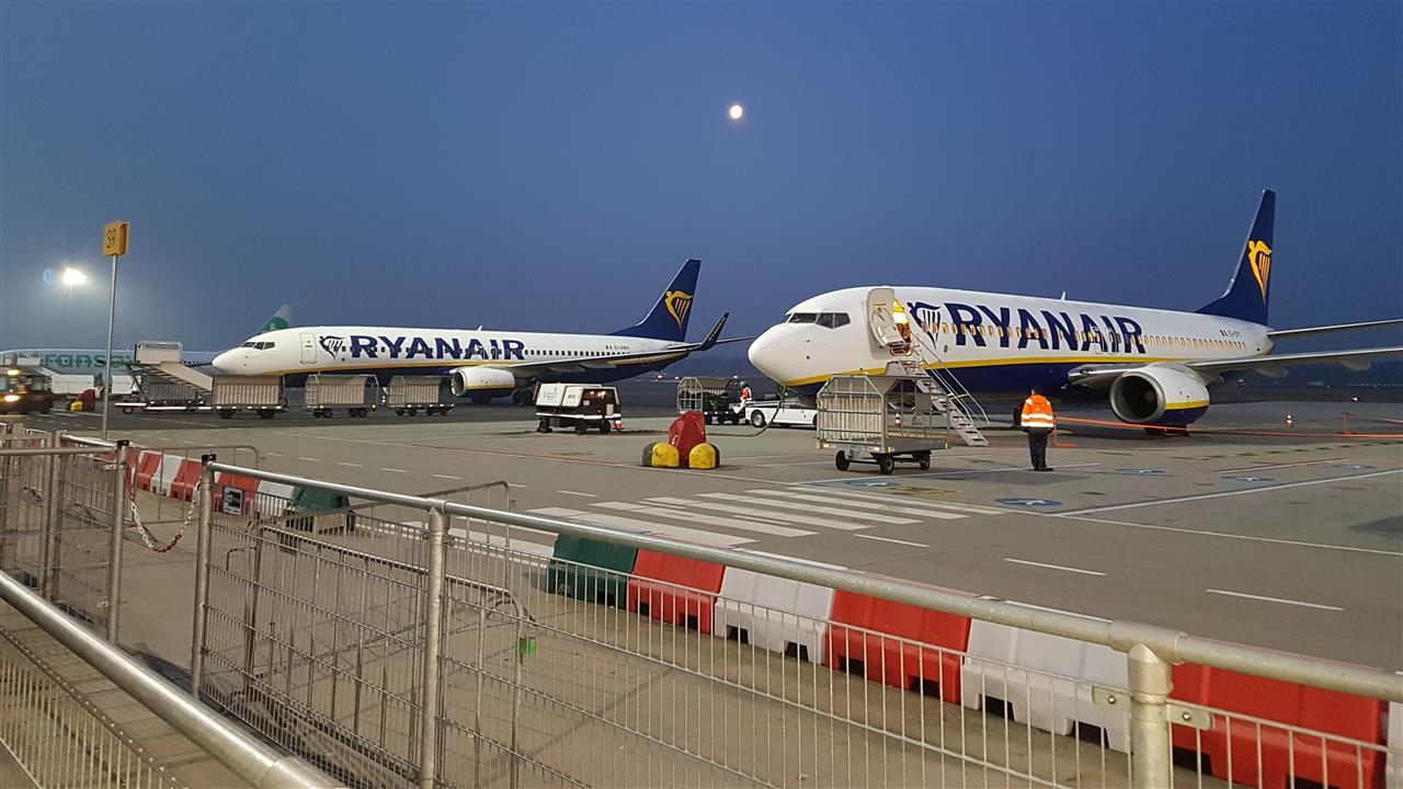 UWV: Ryanair mag personeel Eindhoven Airport niet ontslaan