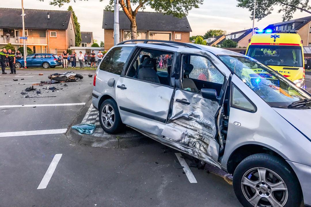Motorrijder zwaargewond bij ernstig ongeluk in Eindhoven.